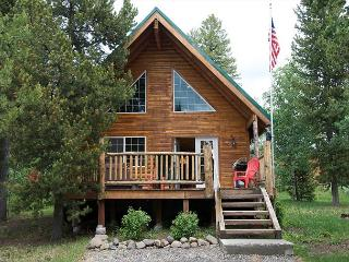 Luxury Mountain Lodge, Hot Tub, Close to Yellowstone and Harriman Park... - Eastern Idaho vacation rentals