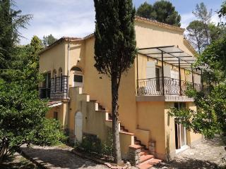 In the heart of Berre-les-Alpes, 125 m², 4 bedroom apartment with private pool - Alpes Maritimes vacation rentals