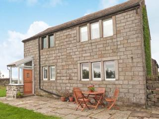 KNOWLE LODGE, all ground floor, woodburning stove, feature beams, WiFi, patio with furniture, Ref 30965 - West Yorkshire vacation rentals