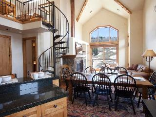 Do you dream of powder? - Ski in/out, private balcony - Snow Day Hideaway at the Terraces - Mountain Village vacation rentals