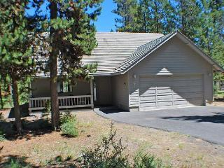 Close to the Village Mall & SHARC, Hot Tub, Pet Friendly - Sunriver vacation rentals