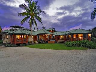 Beach Front 4 bedroom in Puako, Big Island of Hawaii - Mauna Lani vacation rentals