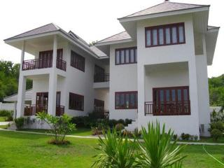 Villas for rent in Hua Hin: V5127 - Hua Hin vacation rentals