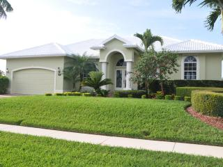 Bonita Ct - BON1061 - Well-equipped & Waterfront! - Marco Island vacation rentals