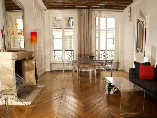 Stunning Paris St Germain apartment 85m2 4 sleeps - Paris vacation rentals