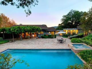 Cozy and spacious Kenwood Knoll with saltwater pool, jacuzzi & trickling water fountains - California Wine Country vacation rentals