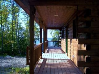 #103 Brand-new post & beam log cabin with 2 master bedrooms - Rockwood vacation rentals