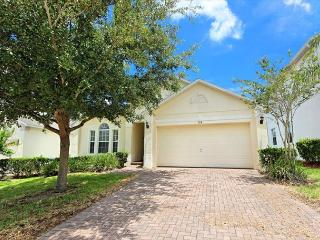 THE LARKHAVEN: 3 Bedroom Pool Home with Game Room in Gated Community - Davenport vacation rentals