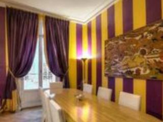 Champs Elysees Excellence by AvenueStory - Paris vacation rentals