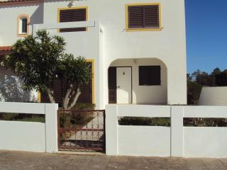 Villa Retur - Monte Gordo vacation rentals