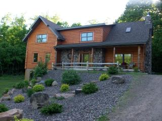Beautiful Log Lodge - Wisconsin vacation rentals