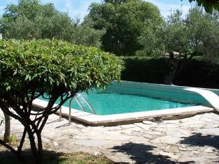Small cottage for 2 adults and a child with  communal pool - FR-1015214-Deaux - Gard vacation rentals