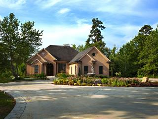 5BD & 3BA BOATERS DREAM LAKESIDE LUXURY HOME - Appling vacation rentals