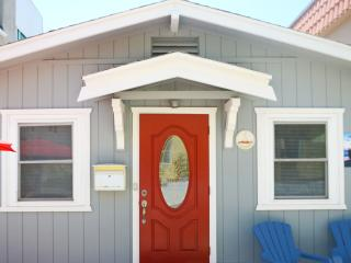 Adorable Red Door  Mission beach Cottage - San Diego vacation rentals
