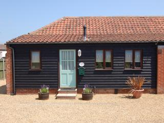 Lovely cottage in seaside village of Bacton - Norfolk vacation rentals