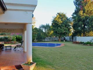 JULES SELF CONTAINED COTTAGE    MILTON PARK HARARE - Harare vacation rentals