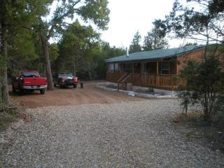 Yellow Brick Acres (40% new listing discount) - Paige vacation rentals