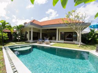 UMALAS RETREAT II - Opening deal just $140 p/night - Umalas vacation rentals