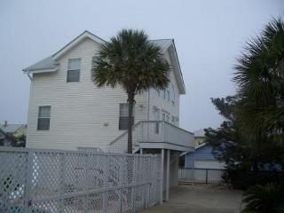 The Coach House, private home with pool. (5 night minimum stay, year round) - Destin vacation rentals