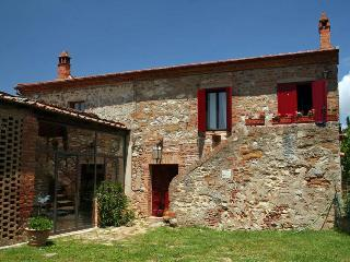 Beautiful cottage 2/9 people with pool, near Siena - Trequanda vacation rentals