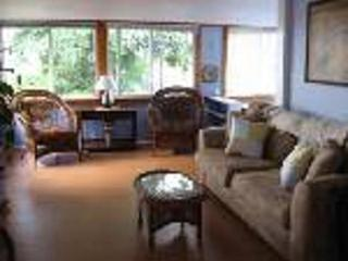 AFFORDABLE WATERVIEW Cape Cod Vacation - Pocasset vacation rentals