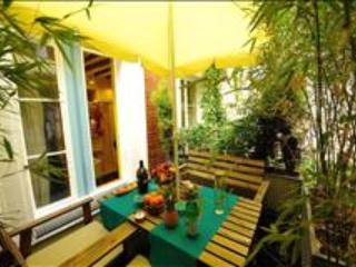 Beautiful Studio with Balcony in the center of Paris #EVERGLADE - Paris vacation rentals