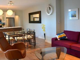 AMAZING LOCATION: Mont-Royal Ave ! Max 13 guests! - Montreal vacation rentals