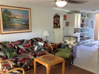 Affordable condo located in the quaint town of Waialua on Oahu''s North Shore - Waialua vacation rentals