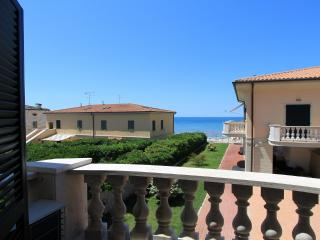 Sea Flat One - Sweet Escape - San Vincenzo vacation rentals