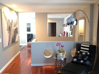 Townhouse, Charming Luxury Duplex - O Neals vacation rentals