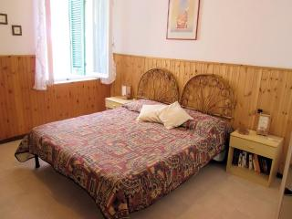 Red Coral Guest House Type 3 Holiday apartment - Alghero vacation rentals