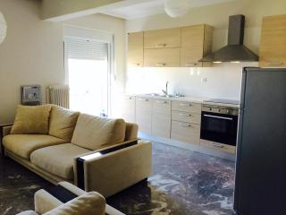 Comfort w/all amenities near center - Chania vacation rentals