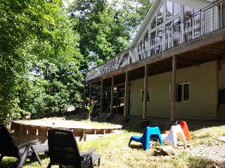 Eco-House in Riverside Hamlet with Heated Pool - Tarn vacation rentals