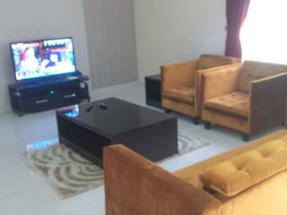 FURNISHED 2 BEDROOMS APARTMENT FOR SHORT/LONG LET IN TIPTON HOUSE - Nigeria vacation rentals