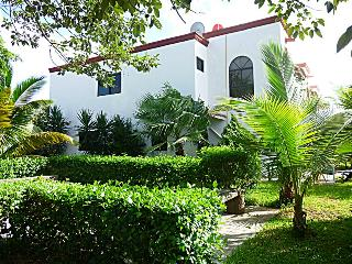 3 BR Private Colonial Villa in Cancun next to Park - Cancun vacation rentals