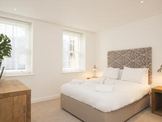 The Lambeth North 2 Bedroom 1 Bathroom Deluxe - London vacation rentals