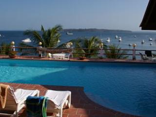 Pearl Island Beach House with Direct Beach Access - Contadora Island vacation rentals