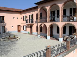 Newly refurbished Countryhouse in the hills - Frassinello Monferrato vacation rentals