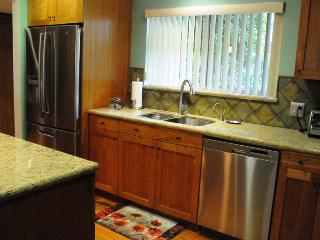 Garden Condo in the South Lake Ave. Neighborhood! - Pasadena vacation rentals