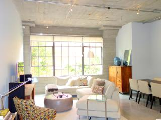 ZSBBE3305 Luxury SOMA Modern 1 bedroom with garage - San Francisco vacation rentals