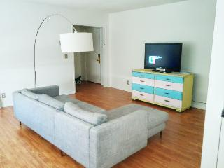 2 Bed/2 bath Apt in Sunset Strip + West Hollywood - West Hollywood vacation rentals