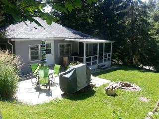 Pam's 2 Bedroom  @  Port Albert Inn and Cottages - Goderich vacation rentals