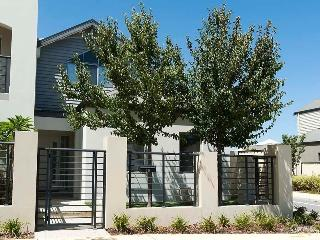 Driftwood - close to beach & transport links - Wanneroo vacation rentals
