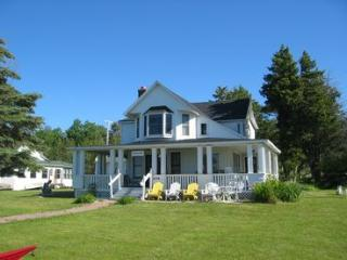 Beautiful Northern MI home on Crooked Lake in Oden - Oden vacation rentals
