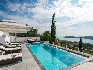 Luxury villa in Dubrovnik for 8 people with a big swimming pool and amazing view - Orasac vacation rentals