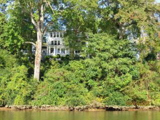 Fredericksburg RiverHouse - Northern Virginia vacation rentals