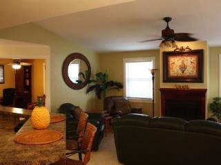 Adorable Beach Cottage - Newly Remodeled Turnkey! - Naples vacation rentals