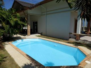 Private pool villa close to Patong Beach and Golf - Kathu vacation rentals
