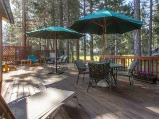 #44 SEQUOIA Huge deck! $200.00-$235.00 BASED ON FOUR PEOPLE OCCUPANCY AND NUMBER OF NIGHTS (plus county tax, SDI, and processing - Plumas County vacation rentals