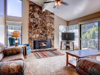 #48 ASPEN $185.00-$220.00 BASED ON FOUR PEOPLE OCCUPANCY AND NUMBER OF NIGHTS (plus county tax, SDI, and processing fee) - Plumas County vacation rentals
